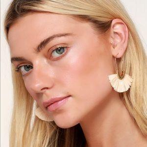 Lulu's raffia fan earrings